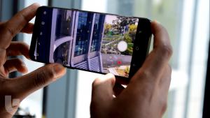 Samsung Galaxy S10 specification & price Camera
