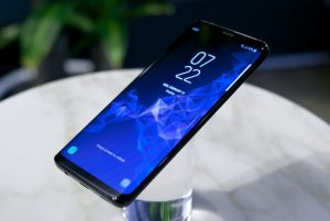 Samsung Galaxy S9 Edge display